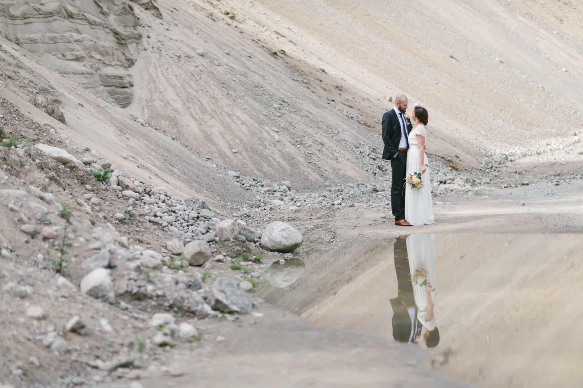 Bröllop, Mölnlycke, Wedding, Brud, Porträtt, Sand, Betong, Bro, Zetterberg Couture, Bröllopsfoto, bröllopsfotograf, Oskar Allerby